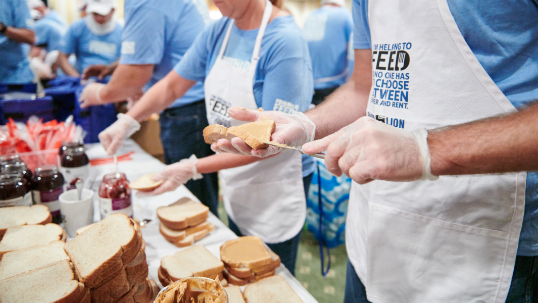 Food Lion Feeds sets a record in light of its hunger relief initiative