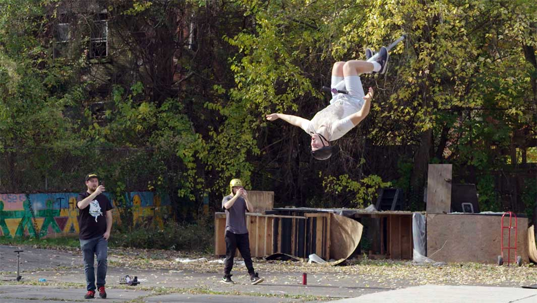 Video: Extreme pogo athlete defies gravity with highest jump ever
