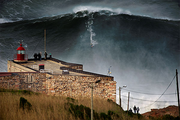 Awesome! Brazilian surfs record 80-foot wave in Portugal
