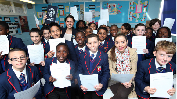 London school kids set record for largest reading lesson