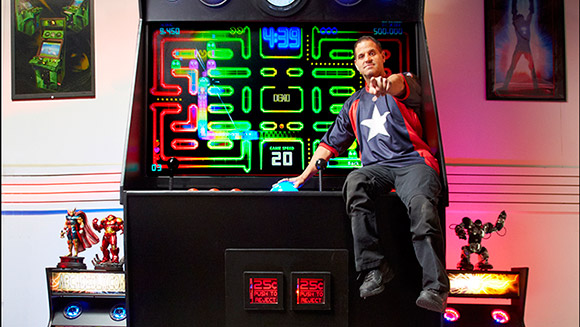Record Holder Profile Video: Jason Camberis and the world's Largest Arcade Machine