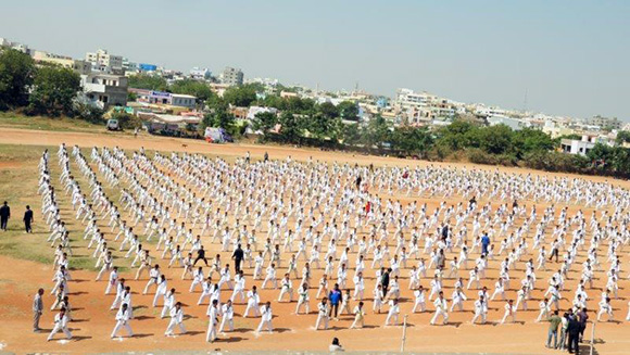 1,152 martial artists take part in record-breaking Taekwondo display in India