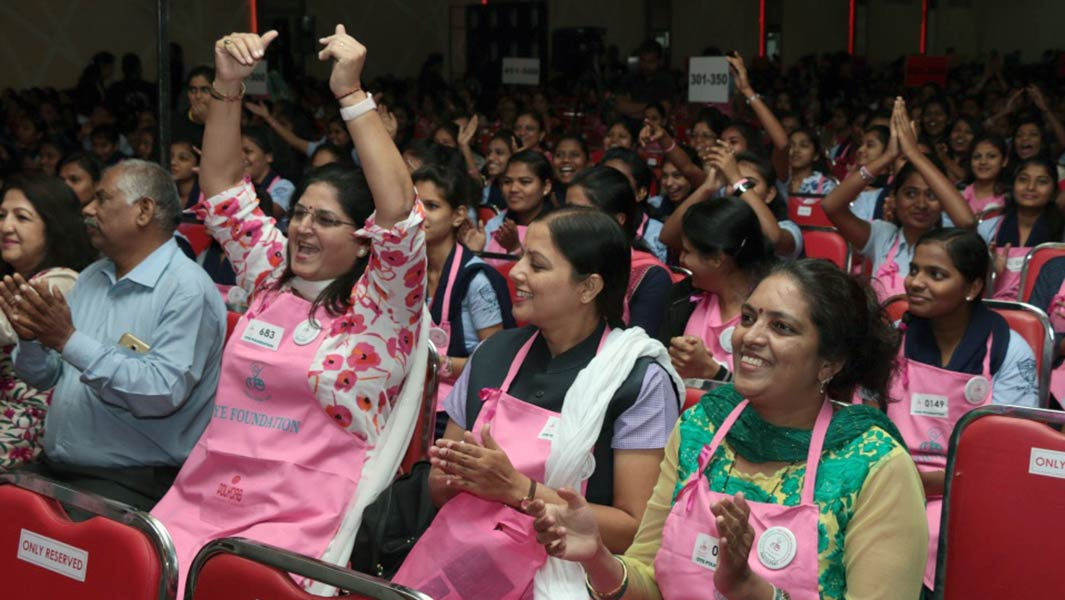 Almost 2,000 Indian women break records to raise awareness of breast cancer