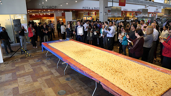 Canadian food retailer reclaims record for world's largest naan bread