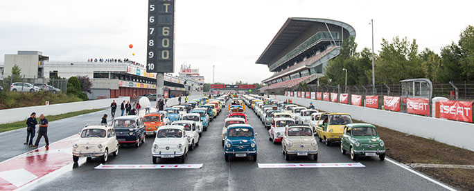 Largest parade of SEAT cars start line