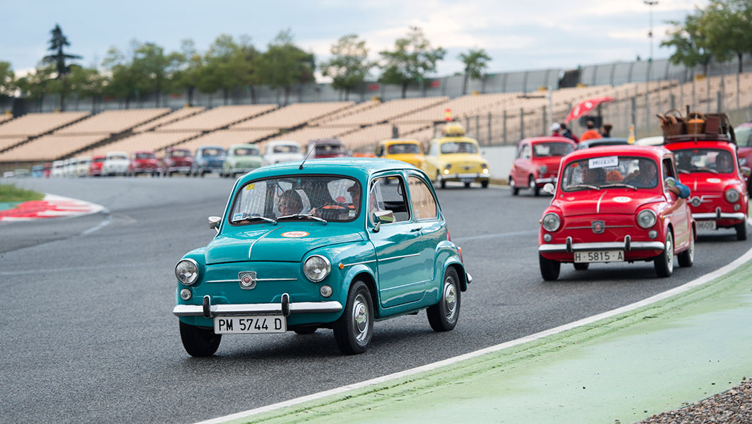 Largest parade of SEAT cars takes place in Spain