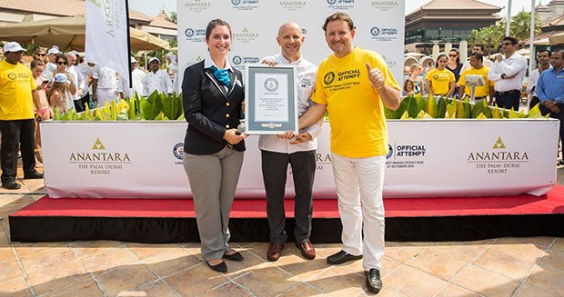 Largest serving of mango sticky rice GWR certificate