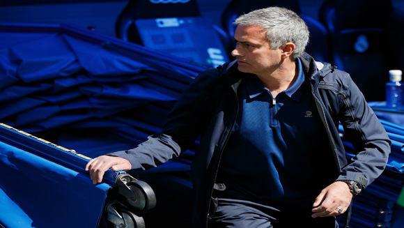 Mourinho Returns to Chelsea, Who Will Play Dr. Who, and Minecraft Creators Have a New Game