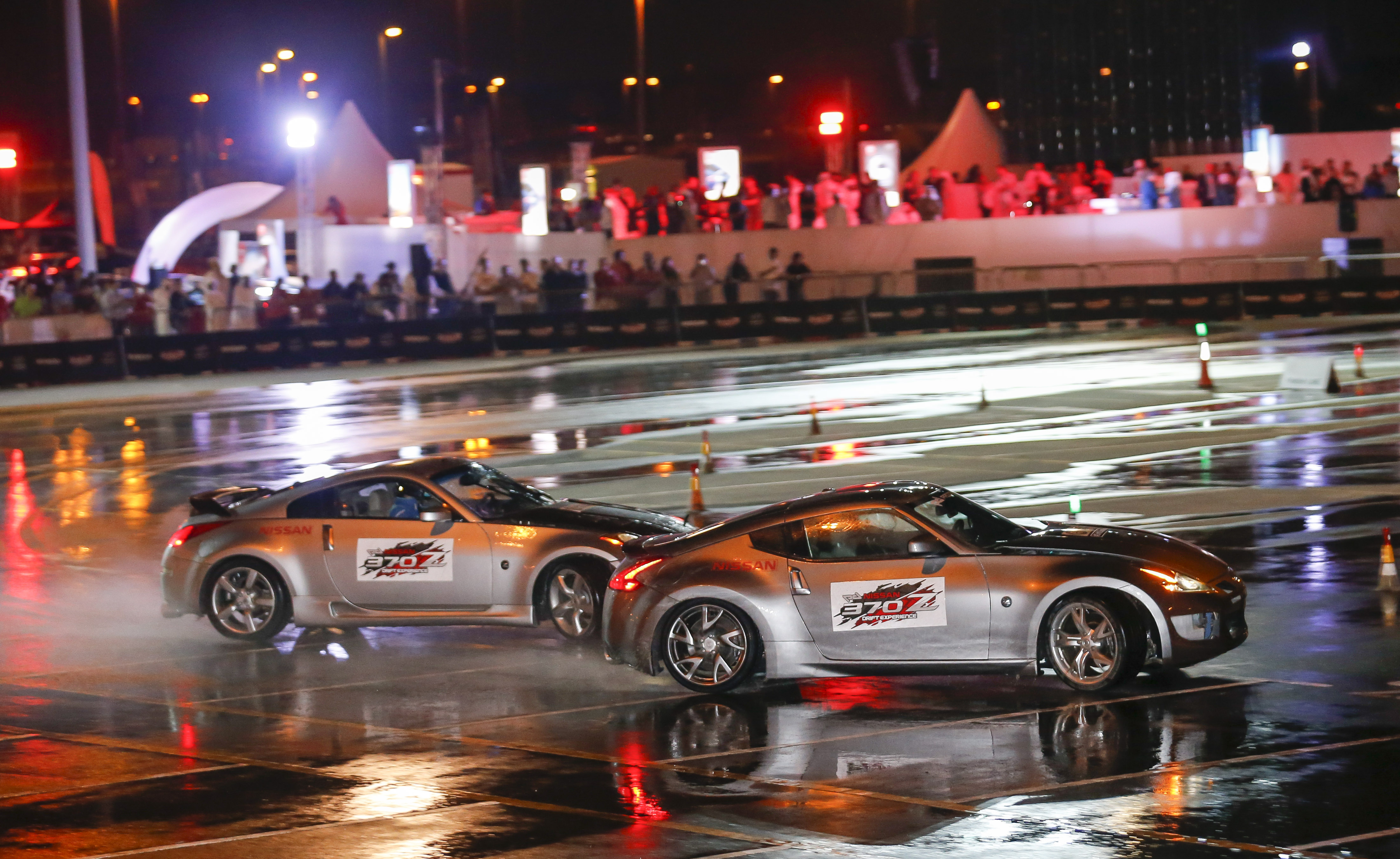 Video: Nissan and Prodrift Academy set new twin vehicle drift record in Dubai