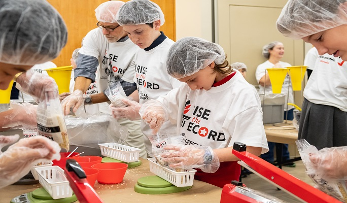 Rise Against Hunger NYC during attempt