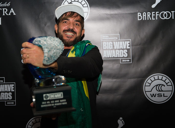Biggest wave ever surfed: Rodrigo Koxa awarded prize for record-breaking ride