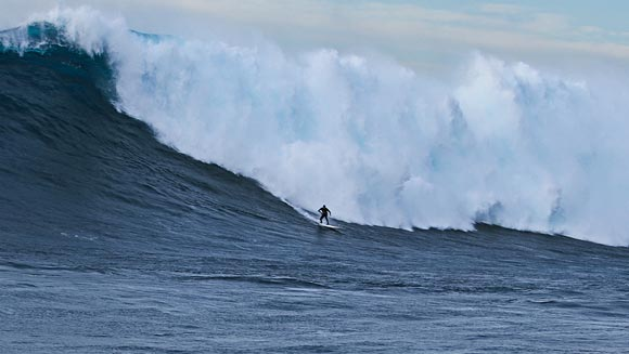 Confirmed: Shawn Dollar sets new biggest wave surfed world record – watch incredible ride here