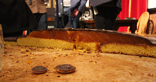 Slicing open the worlds largest jaffa cake