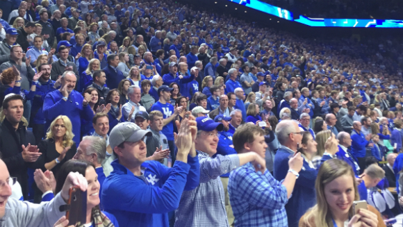 University of Kentucky Wildcats fans roar their way to new record title