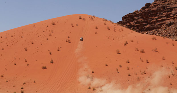 fastest-time-to-acsend-a-100-m-sand-dune-by-a-car-sand-dune