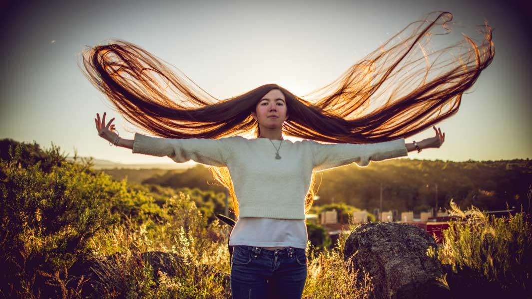 Teenage Girl Sets New Hair Record After Bad Haircut Experience 10
