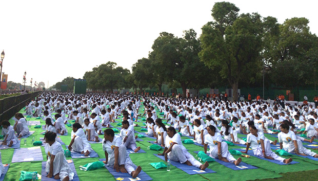 international-day-of-yoga-guinness-world-records-1