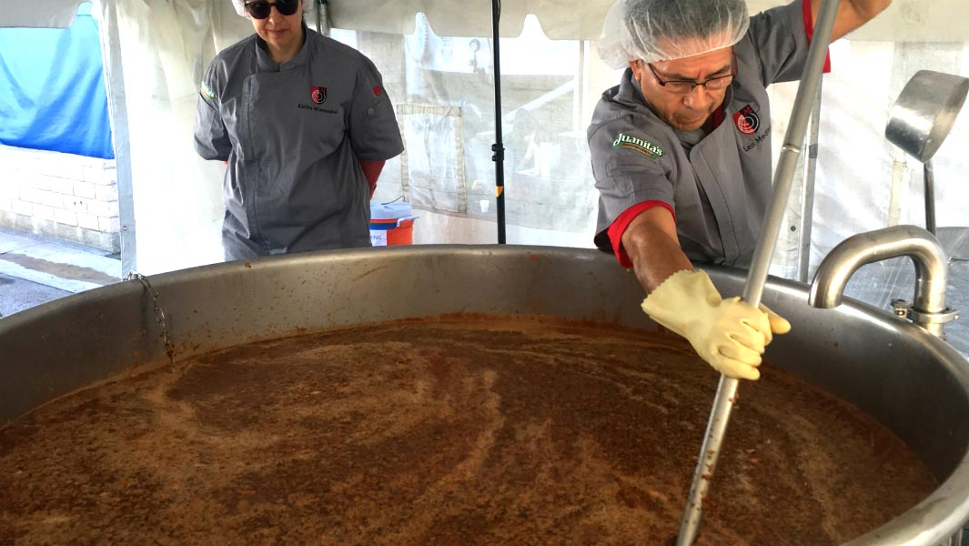 Californian chefs whip up a batch of menudo soup which weighs the same as a giraffe
