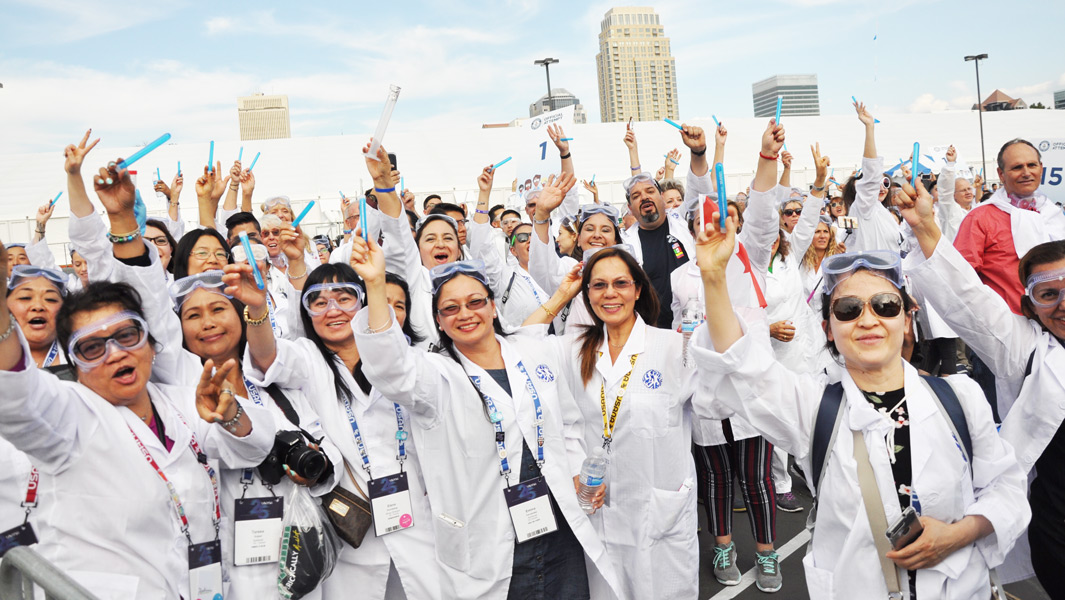 USANA sets Largest gathering of people dressed as scientists record