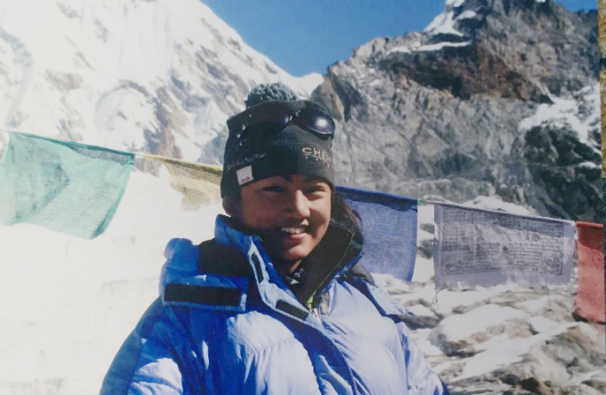 Youngest female to summit Everest 3