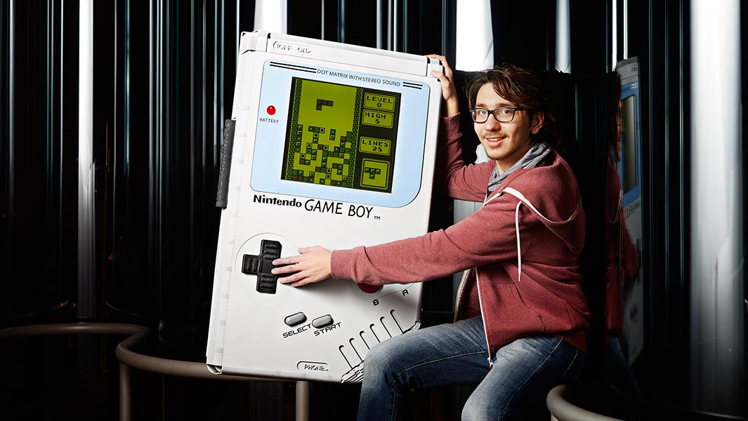 Video: World's largest Game Boy enters Guinness World Records Gamer's Edition