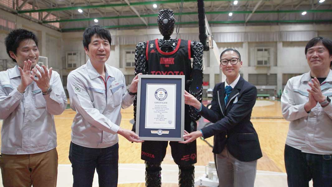 Robotic member of Japanese basketball team sets free throws record