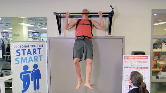 Ron Cooper 'The Pull Up Guy' breaks two fitness world records - Meet the Record Breakers video