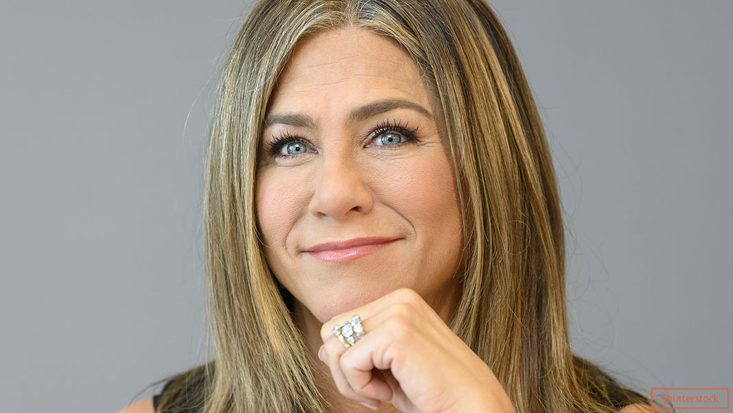 Friends Star Jennifer Aniston Claims Record For Fastest To
