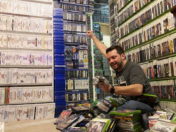 Antonio Monteiro largest collection of videogames