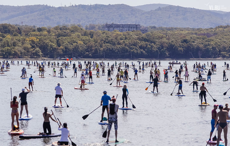 Largest parade of stand-up paddleboards (SUPs)