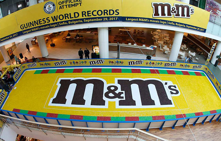 Largest M&M's mosaic (logo)