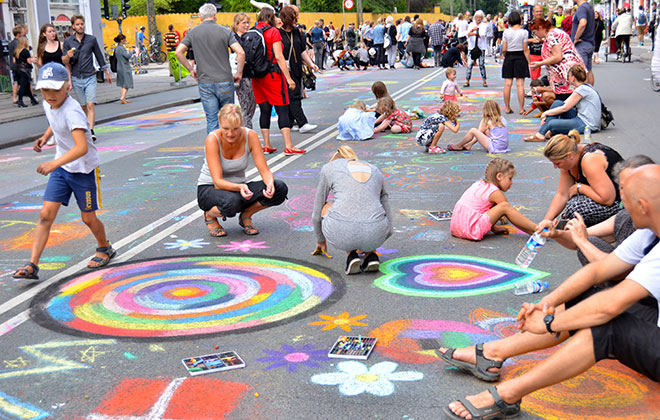 Largest chalk pavement art