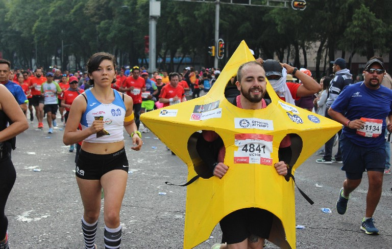 Fastest marathon dressed as a star (male)