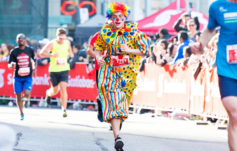 Fastest half marathon dressed as a clown