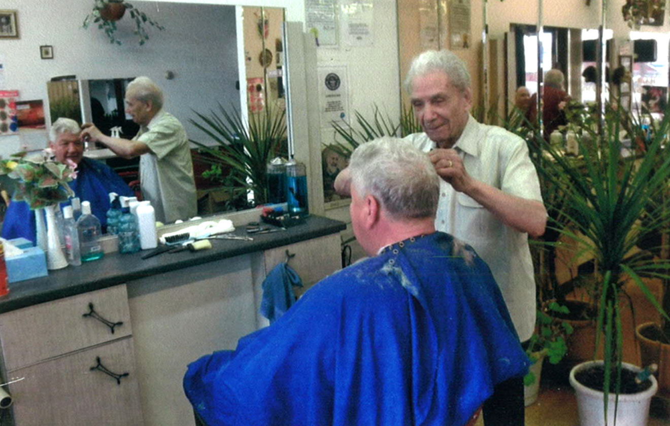 Oldest practising barber